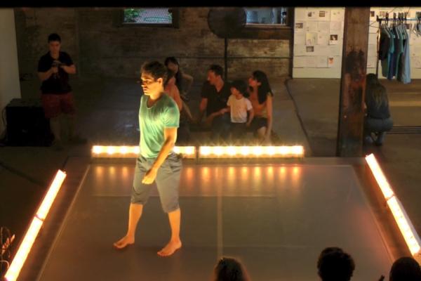 Invisible Dog (Thu) Dance 5