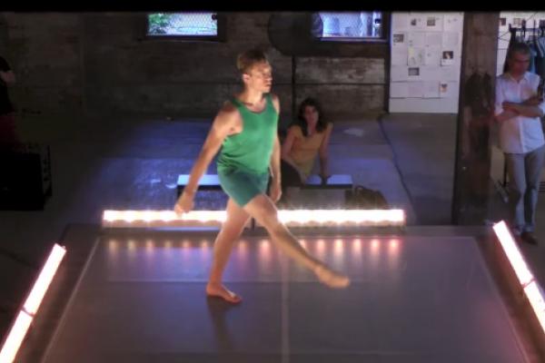 Invisible Dog (Thu) Dance 2